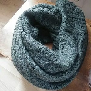 🚕Forest Green Infinity Scarf